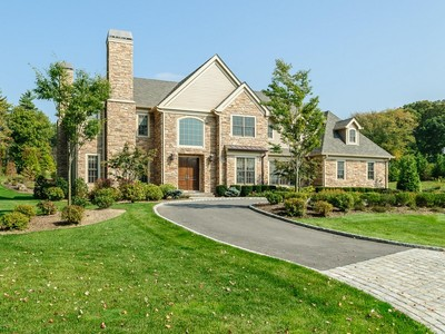 Einfamilienhaus for sales at Kingwood  Muttontown, New York 11791 United States