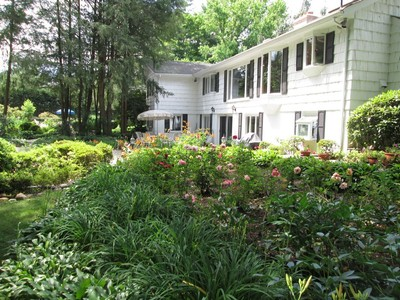 Single Family Home for sales at Ranch 18 Locust Ln Upper Brookville, New York 11545 United States