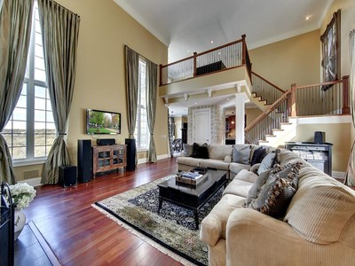 Casa para uma família for sales at 1210 Sibley Memorial Hwy , Mendota, MN 55150 1210  Sibley Memorial Hwy Mendota, Minnesota 55150 Estados Unidos