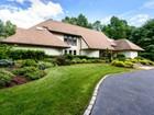 Casa para uma família for  sales at Contemporary 9 Bridle Path Ct   Muttontown, Nova York 11545 Estados Unidos