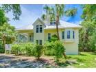Maison unifamiliale for  sales at SANIBEL 2543  Tropical Way Ct Sanibel, Florida 33957 États-Unis