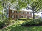 Vivienda unifamiliar for sales at Round Oak Court 1328 Round Oak Ct  McLean, Virginia 22101 Estados Unidos