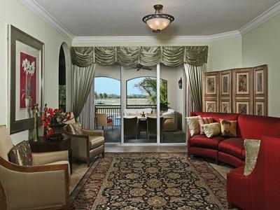 Кооперативная квартира for sales at FIDDLER'S CREEK - MENAGGIO 9279  Menaggio Ct 201 Naples, Флорида 34114 Соединенные Штаты