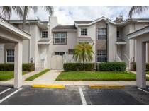 Appartement en copropriété for sales at FIELDSTONE VILLAGE 3740  Fieldstone Blvd 1004   Naples, Florida 34109 États-Unis