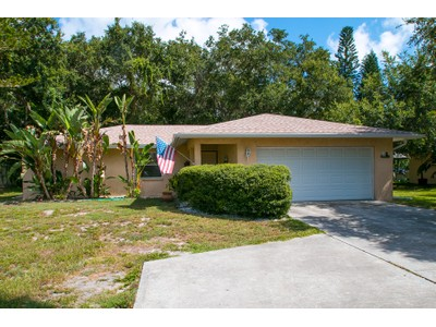 Nhà ở một gia đình for sales at SUNSET BAY 1555  Siesta Dr Sarasota, Florida 34239 Hoa Kỳ
