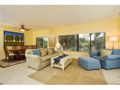 Kat Mülkiyeti for sales at PELICAN BAY - INTERLACHEN 6770  Pelican Bay Blvd 235  Naples, Florida 34108 Amerika Birleşik Devletleri