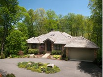 Casa para uma família for sales at LINVILLE RIDGE 1038  Ridge Drive 10   Linville, Carolina Do Norte 28646 Estados Unidos