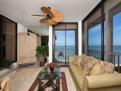 Кооперативная квартира for sales at PARK SHORE - PARK PLAZA 4301  Gulf Shore Blvd  N 700 Naples, Флорида 34103 Соединенные Штаты