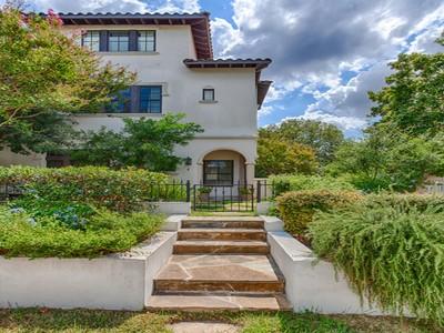 Condominium for sales at Exquisite Condo in Alamo Heights 100 Castano Ave 4 San Antonio, Texas 78209 United States