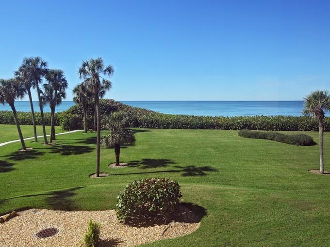 콘도미니엄 for sales at VANDERBILT BEACH - VANDERBILT GULFSIDE 10951  Gulfshore Dr 104   Naples, 플로리다 34108 미국