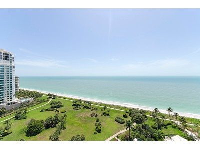 Condo / Townhome / Villa for rentals at 4251 Gulf Shore Blvd N 20d  Naples, Florida 34103 United States