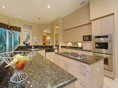 Vivienda unifamiliar for sales at OAKS CLUBSIDE HOME 845  Macewen Dr Osprey, Florida 34229 Estados Unidos