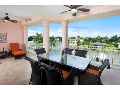 Piso for sales at THE MOORINGS - BELLA BAIA 1810  Gulf Shore Blvd  N 403  Naples, Florida 34102 Estados Unidos