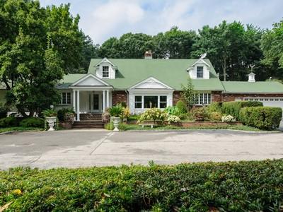 Nhà ở một gia đình for sales at Exp Ranch 5901 Northern Blvd Muttontown, New York 11732 Hoa Kỳ