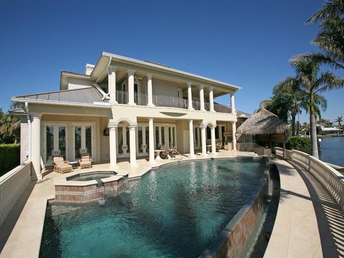 Casa para uma família for sales at PARK SHORE 308  Neapolitan Way   Naples, Florida 34103 Estados Unidos