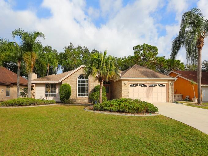 Casa Unifamiliar for sales at CEDAR CREEK 6289  Bonaventure Ct Sarasota, Florida 34243 Estados Unidos