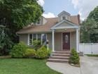 獨棟家庭住宅 for sales at Exp Cape 46 N Lerisa St Bethpage, 紐約州 11714 美國