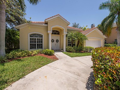 独户住宅 for sales at MONTEREY 8050  Vera Cruz Way Naples, 佛罗里达州 34109 美国