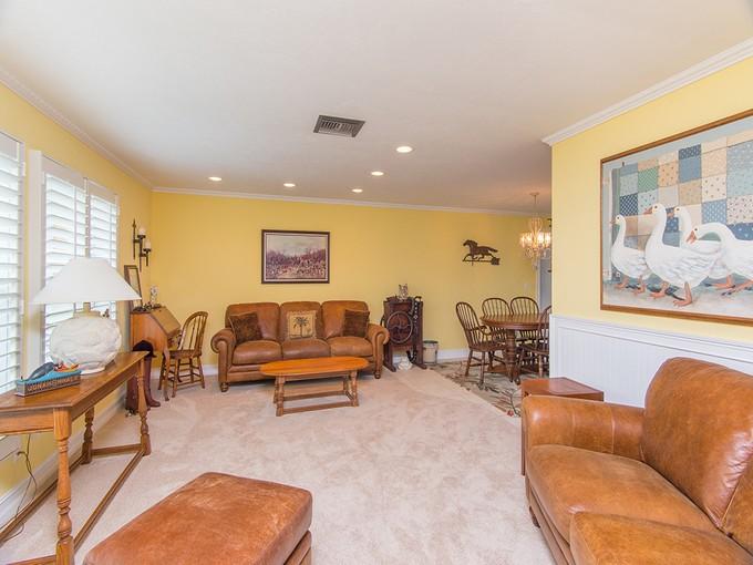 独户住宅 for sales at MARCO ISLAND - MEADOWLARK CT 264  Meadowlark Ct Marco Island, 佛罗里达州 34145 美国