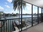 Appartement en copropriété for sales at VANDERBILT BEACH - VANDERBILT BAY 10482  Gulf Shore Dr 211 Naples, Florida 34108 États-Unis