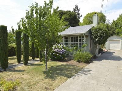 Maison unifamiliale for sales at 1020 Clark St, Napa, CA 94559 1020  Clark St Napa, Californie 94559 États-Unis
