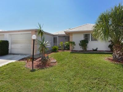Copropriété for sales at SORRENTO VILLAS 119  Villa Dr 119 Osprey, Florida 34229 États-Unis