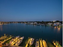Copropriété for sales at THE MOORINGS - ADMIRALTY POINT 2400  Gulf Shore Blvd  N 504   Naples, Florida 34103 États-Unis
