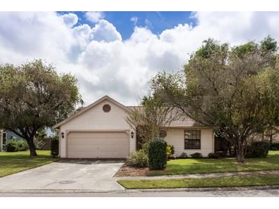 Nhà ở một gia đình for sales at CENTRE LAKE 3555  65th Avenue Cir  E  Sarasota, Florida 34243 Hoa Kỳ