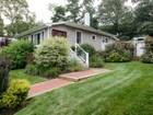 Einfamilienhaus for  sales at Ranch 52 Glenna Little Trl   Huntington, New York 11743 Vereinigte Staaten