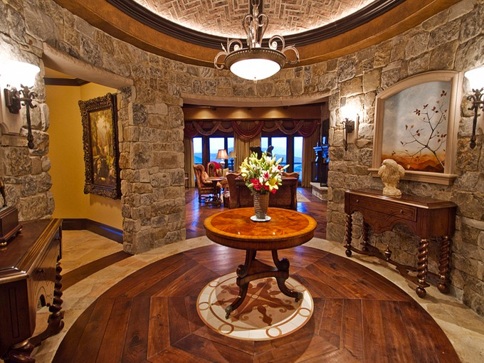 Condominio for sales at Stunning 10th Floor St. Regis 2300 E Deer Valley Dr #1002 Park City, Utah 84060 Stati Uniti