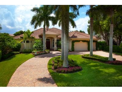 Частный односемейный дом for sales at THE MOORINGS 1824  Crayton Rd Naples, Флорида 34102 Соединенные Штаты