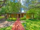 Casa para uma família for  sales at Beautiful Home in Terrell Hills 813 Ivy Ln   San Antonio, Texas 78209 Estados Unidos