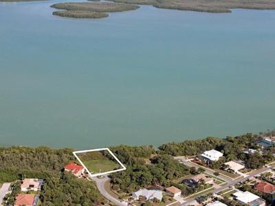 Tek Ailelik Ev for sales at MARCO ISLAND - APRIL COURT 1825  April Ct Marco Island, Florida 34145 Amerika Birleşik Devletleri