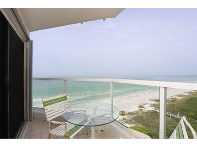 共管式独立产权公寓 for sales at LONGBOAT KEY CLUB - PRIVATEER 1050  Longboat Club Rd 805 Longboat Key, 佛罗里达州 34228 美国