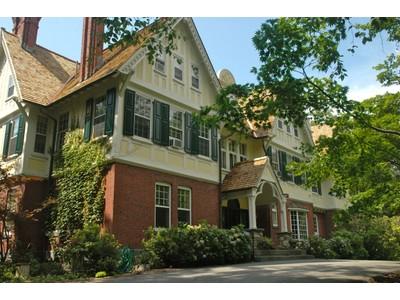 獨棟家庭住宅 for  at James W. Henning Estate 13 Lakeview Road Tuxedo Park, New York 10987 United States