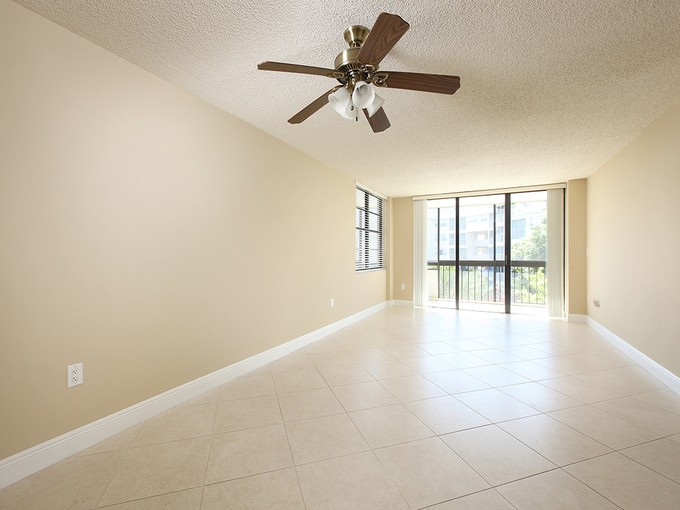 Condominium for sales at MARCO ISLAND - SOUTH SEAS EAST 693  Seaview Ct A-407   Marco Island, Florida 34145 United States