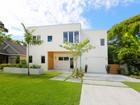 Villa for  sales at POINSETTIA PARK 1924  Bougainvillea St  Poinsettia Park, Sarasota, Florida 34239 Stati Uniti
