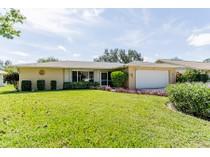 Maison unifamiliale for sales at WILLOUGHBY ACRES 90  Kirtland Dr   Naples, Florida 34110 États-Unis