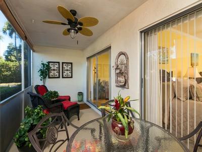 Condomínio for sales at PARK SHORE - WILLOWS 4100  Belair Ln 109 Naples, Florida 34103 Estados Unidos