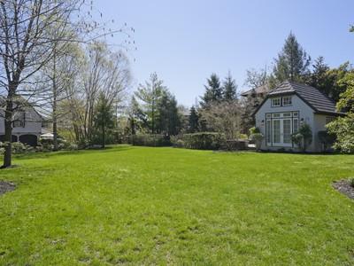 Terreno for sales at Land 300 Kenmore Rd Douglaston, Nova York 11363 Estados Unidos