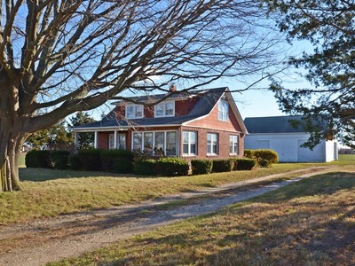 Single Family Home for sales at Farmhouse 14380 Oregon Rd Cutchogue, New York 11935 United States