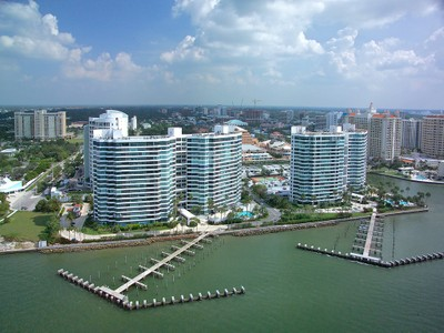 共管式独立产权公寓 for sales at CONDO ON THE BAY 988  Blvd Of The Arts 112  Sarasota, 佛罗里达州 34236 美国