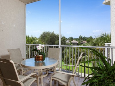 Nhà chung cư for sales at PELICAN MARSH - CLERMONT 1530  Clermont Dr 302  Naples, Florida 34109 Hoa Kỳ