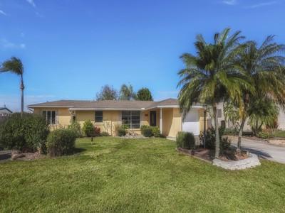 Vivienda unifamiliar for sales at NOKOMIS 703  Portia St Nokomis, Florida 34275 Estados Unidos