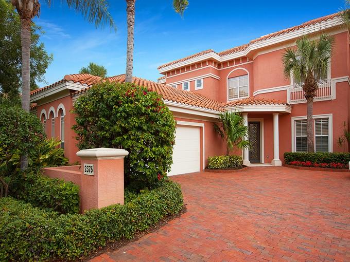 Condomínio for sales at GREY OAKS - TERRA VERDE 2376  Terra Verde Ln Naples, Florida 34105 Estados Unidos