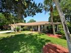 Nhà ở một gia đình for sales at LONGBOAT SHORES 613  Buttonwood Dr Longboat Key, Florida 34228 Hoa Kỳ