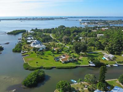 Casa Unifamiliar for sales at LAMPPS 1897  New Point Comfort Rd Englewood, Florida 34223 Estados Unidos