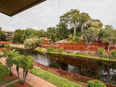 Condominio for sales at PARK SHORE - PARK SHORE RESORT 600  Neapolitan Way 212  Naples, Florida 34103 Estados Unidos