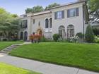 Casa Unifamiliar for  sales at 4888 W Lake Harriet Pkwy , Minneapolis, MN 55410  Minneapolis, Minnesota 55410 Estados Unidos