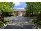 Nhà ở một gia đình for  sales at Colonial    Brookville, New York 11545 Hoa Kỳ
